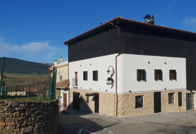 Restaurante Arrea, madera acetilada Accoya®. Revestimiento de la fachada
