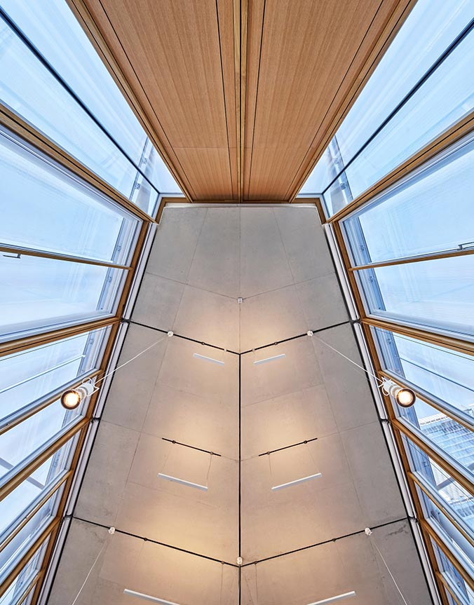 Aplicación de muro cortina de madera por Renzo Piano en su proyecto en París The Maison de l'Ordre des Avocats