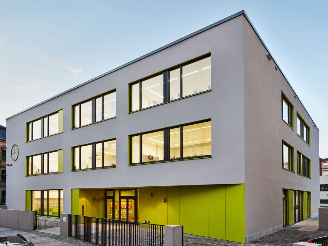 Proyectos VIGAM, Escuela Makarenko, Dresde