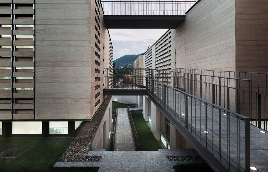 Madera Accoya. Proyecto OAK HOUSE SCHOOL